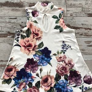 Floral print keyhole neck sleeveless top